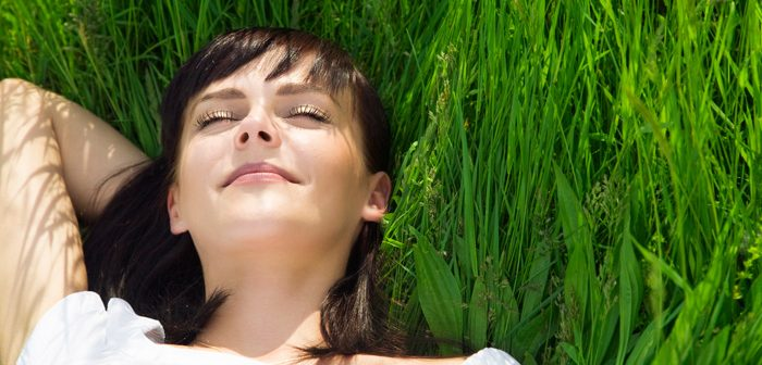 Beauty tips to look and feel great on a break in the countryside