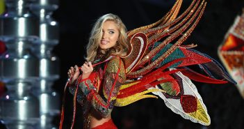 """Swarovski marks the 15-year """"Crystal anniversary"""" of its partnership with Victoria's Secret in Shanghai"""