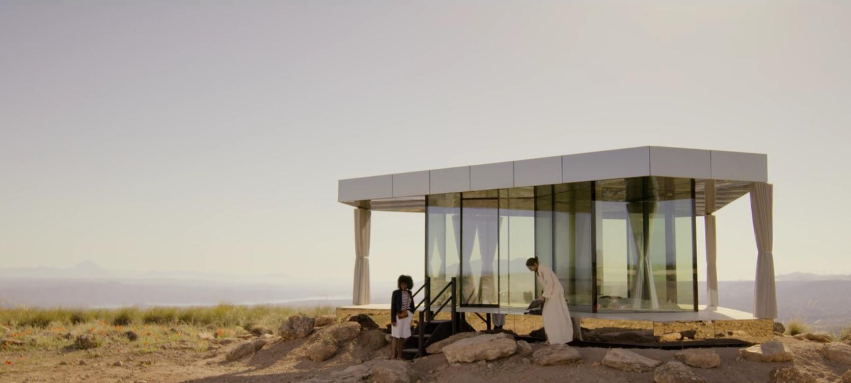 La casa del desierto en Black Mirror - Smithereens 10