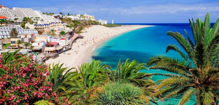 Canaries in self-isolation: Tourism drops to an all-time low and only 20 flights with mainland Spain